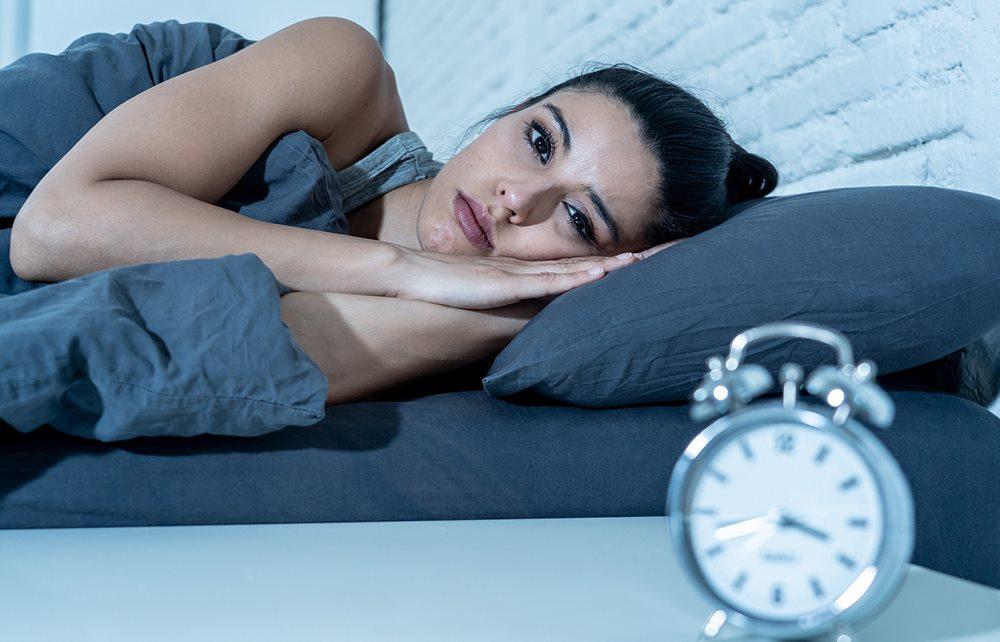 Thức đêm, thiếu ngủ làm tăng nguy cơ bị suy giảm trí nhớ